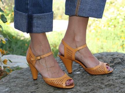 chie mihara brasil heel in maise ped shoes order online or 7463. Black Bedroom Furniture Sets. Home Design Ideas