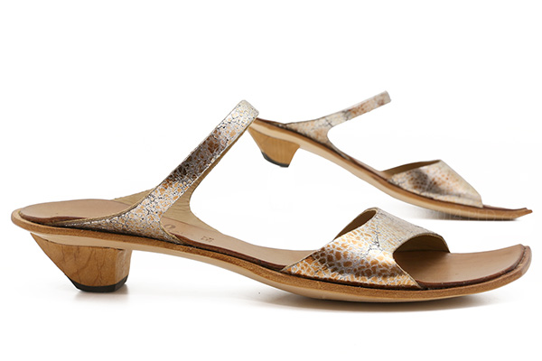5c4d835e89c Cydwoq Ionic in Metallic   Ped Shoes - Order online or 866.700.SHOE (7463).